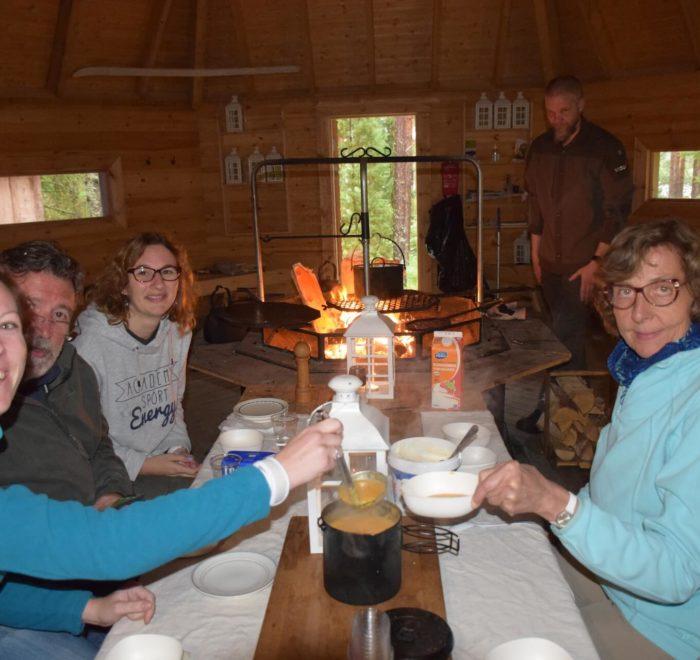 Dîner dans une cabane du Parc du Teijo