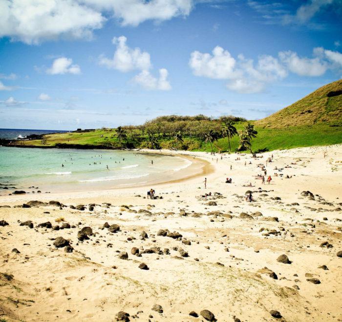 La plage d'Anakena de l'île de Pâques | © CC BY-SA 2.0 Alanbritom @ flickr