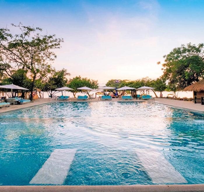 La piscine de votre hôtel sur l'île privée | © Club Paradise Palawan