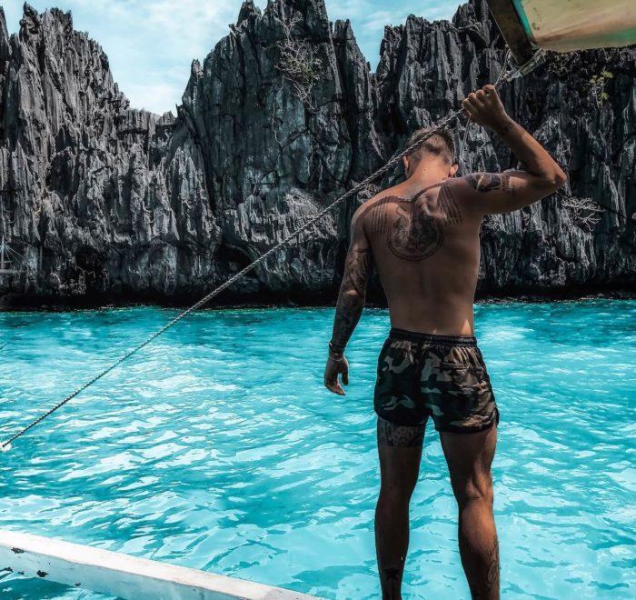 Plonger dans une eau turquoise